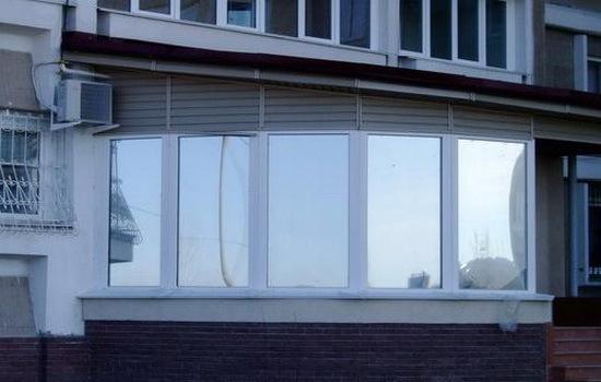Процесс тонировки окон лоджий и балконов немецкие пластиковы.