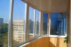 Услуги по остеклению балконов