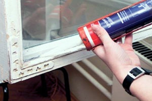 Как поменять стекло в оконной раме